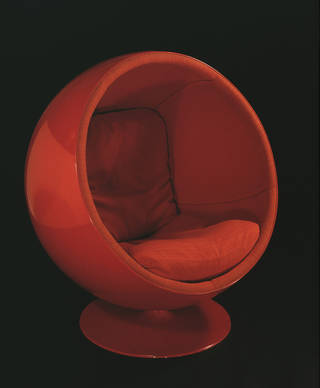 Ball chair, Eero Aarnio, 1963, Finland. Museum no. CIRC.12:1 to 3-1969. © Victoria and Albert Museum, London