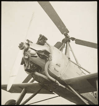Photo of Aircraft with Propellers, photograph by Curtis Moffat, 20th century. Museum no. E.936-2007. © Victoria and Albert Museum, London/Estate of Curtis Moffat