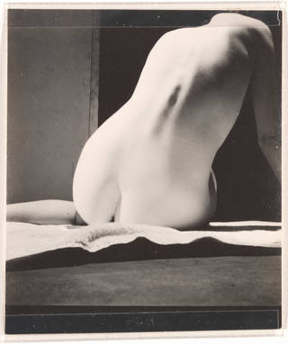Photo of Nude, photograph by Curtis Moffat, 1925 – 30. Museum no. E.1315-2007. © Victoria and Albert Museum, London/Estate of Curtis Moffat