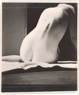Nude, photograph by Curtis Moffat, about 1925 – 30. Museum no. E.1315-2007. © Victoria and Albert Museum, London/Estate of Curtis Moffat