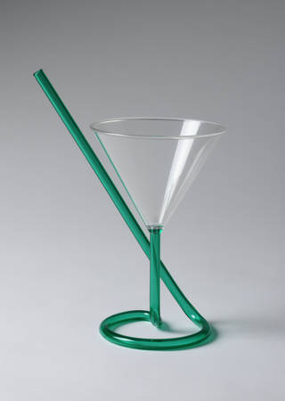Photo of Memphis cocktail glass, Richard Holloway. Museum no. C.338-1983. © Victoria and Albert Museum, London.
