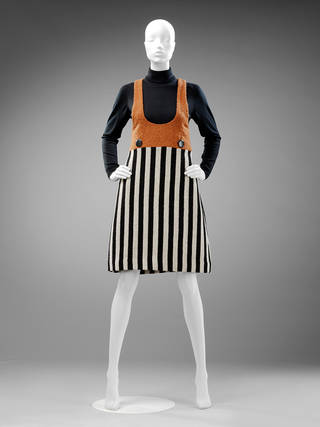 Op art stripes, Mary Quant, 1963, UK. Museum no. T.36-2013. © Victoria and Albert Museum, London