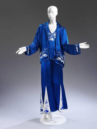 Lounge pyjama ensemble, 1920s, China. Museum no. FE.3:1 to 3-2013. © Victoria and Albert Museum, London