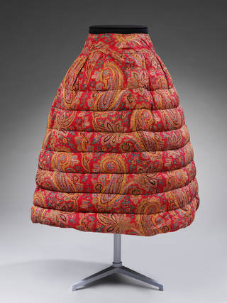 Petticoat, Booth & Fox, about 1860, London. Museum no. T.212-1962. © Victoria and Albert Museum, London