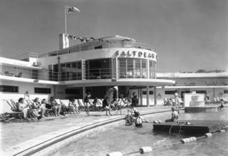 Into the Blue - the origin and revival of pools, swimming baths and lidos photo