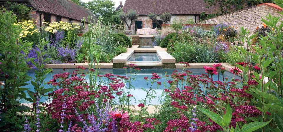 V A English Gardens