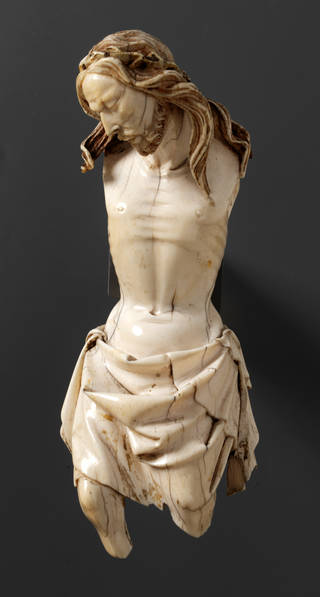 Photo of The Crucified Christ, statuette, attributed to Giovanni Pisano, probably 1290 – 1310, Tuscany, Italy, ivory. Museum no. 212:1 to 3-1867. © Victoria and Albert Museum, London