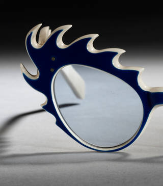 Photo of Jester, sunglasses (detail), Oliver Goldsmith, 1954, England. Museum no. T.243C-1990. © Victoria and Albert Museum, London