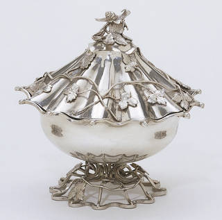 Photo of Sugar bowl, designed by John Linnell, made by Arthur Annesley, 1758 – 59, London. Museum no. M.26&A-1982. © Victoria and Albert Museum, London