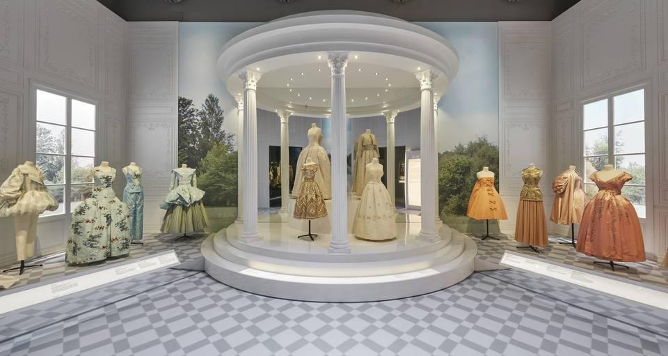 V&A · Christian Dior: Designer of Dreams Late View