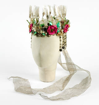 Headdress, designed by Oliver Messel, worn by Vivien Leigh as Titania in Shakespeare's play, A Midsummer Night's Dream, Old Vic, London, 1937. Museum no. S.491:1, 2-2006. © Victoria and Albert Museum, London