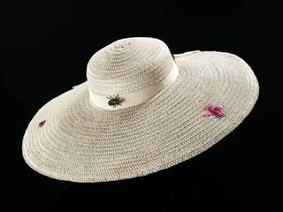 Hat,The Pagan Collection, designed by Elsa Schiaparelli, 1938, Paris, France. Museum number: T.427-1974. © Victoria and Albert Museum, London