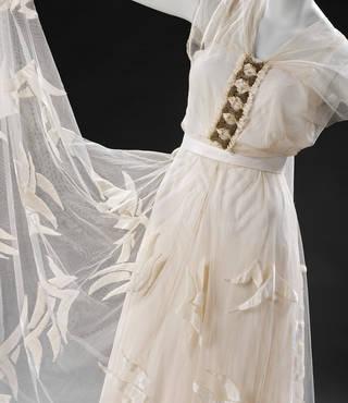 Evening dress, Madeleine Vionnet, 1935, France. Museum no. T.380-2009. © Victoria and Albert Museum, London