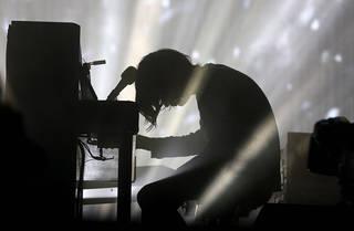 Radiohead at Glastonbury Festival, 2017. © Anna Barclay