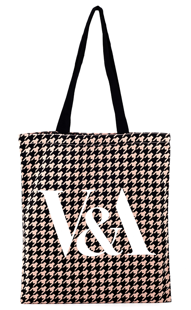 Pink houndstooth tote bag