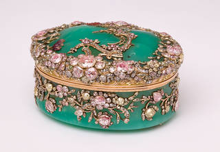 Snuffbox associated with Frederick the Great, about 1765, Germany. Museum no.  LOAN:GILBERT.412-2008. © Victoria and Albert Museum, London